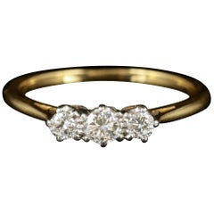 Antique Edwardian Trilogy Diamond Ring 18 Carat Plat, circa 1915