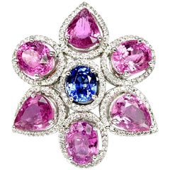 Stunning 18 Karat Gold Pink and Blue Sapphire Ring