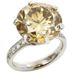 18 Karat White Gold Moissanite Diamond Cocktail Ring