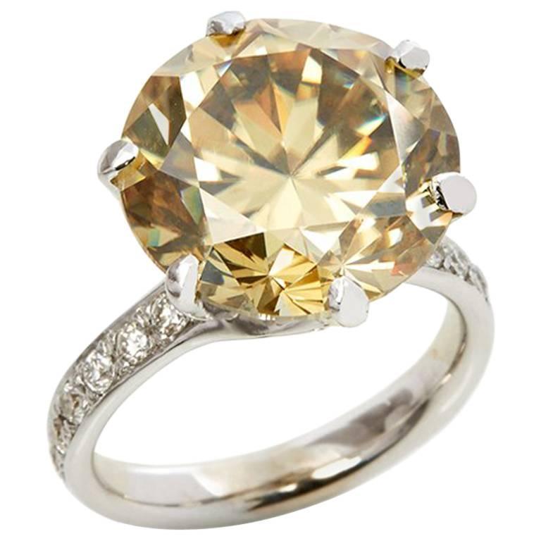 18 Karat White Gold Moissanite Diamond Cocktail Ring For Sale