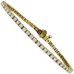 Round Diamond Tennis Bracelet in Yellow Gold