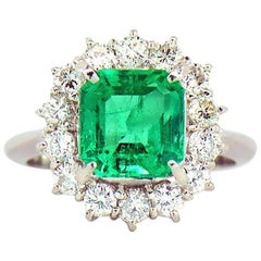 GIA Certified 2.64 ct. Fine Colombian Emerald & Diamond Platinum Ring