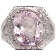 1950s 5.5 Carat Kunzite and 0.60 Carat Diamond 18 Karat White Gold Ring