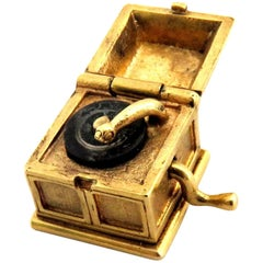 Fabulous Movable Gold Record Player Charm Pendant