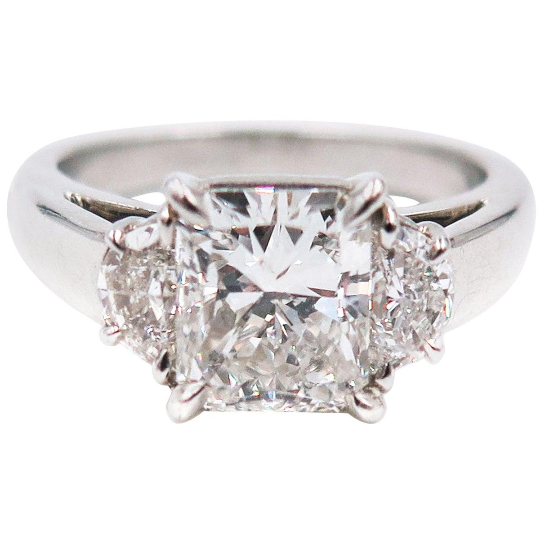 GIA Certified 2.00 Carat Radiant Cut Diamond Platinum Engagement Ring