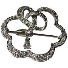 Art Deco Vintage Platinum Flower-Shaped Brooch Pendant, 2.00 Carat