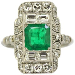 French Art Deco Platinum Ladies Ring with Emerald and Diamonds, circa 1920s