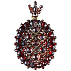 Antique Victorian Bohemian Garnet Locket 18 Carat, circa 1880