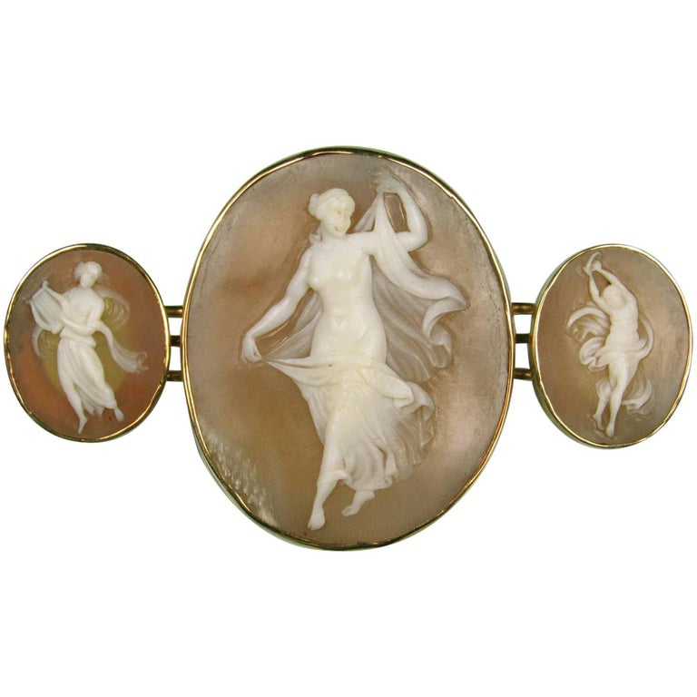 Victorian 14 Karat Yellow Gold Triple Shell Carved Cameo Brooch