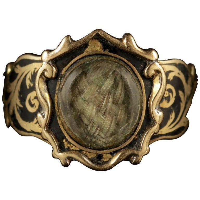 Antique Georgian Mourning Ring 18 Carat Gold, circa 1800