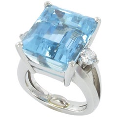 Very Fine Aquamarine and Diamond Platinum Ring