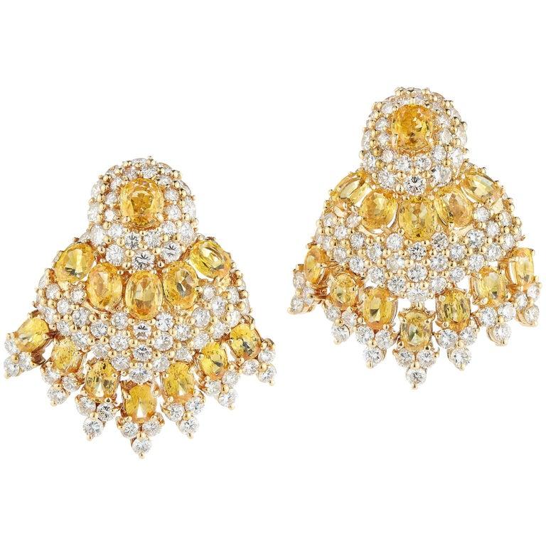 Beautiful 18 Karat Yellow Gold and Diamond Earring
