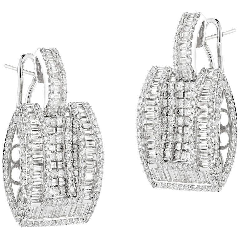 Elegant White Gold Diamond Earring