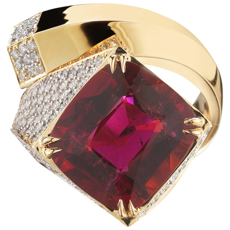 Pink Tourmaline 8.84 Carat and Diamond Contrarie Ring