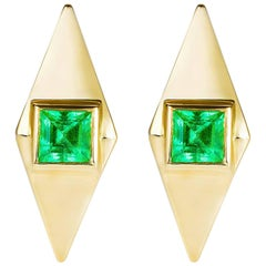 Emerald 18 Karat Gold Pyramid Stud Earrings