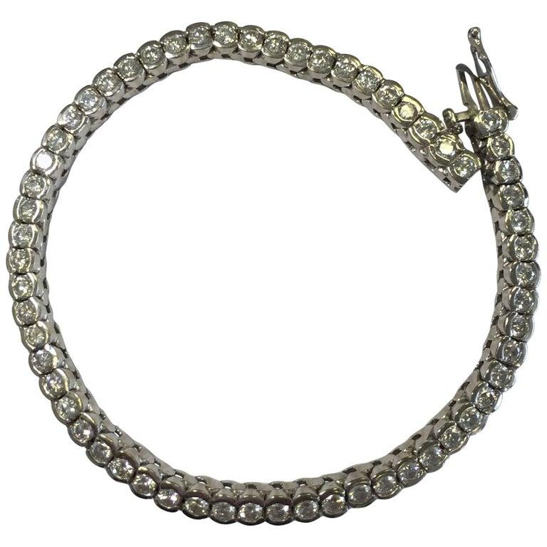 White Diamond Tennis Bracelet in 14 Karat White Gold