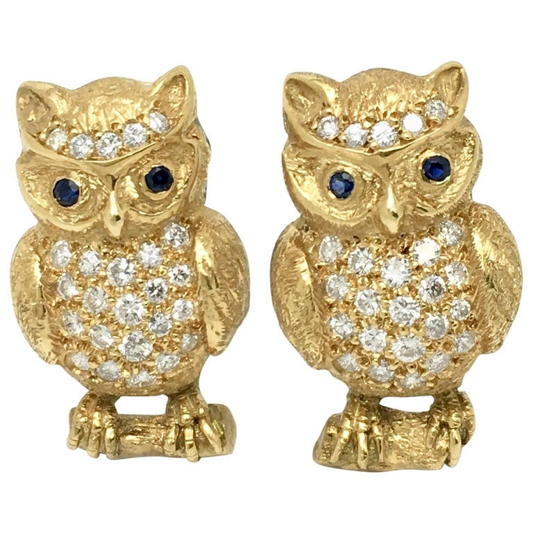 Owl Cufflinks 18 Karat Yellow Gold with Diamonds and Blue Sapphire