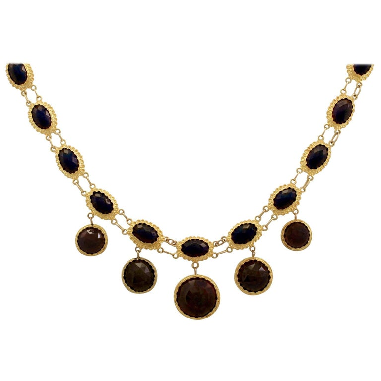 1880s Victorian 49.53 Carat Garnet and Yellow Gold Necklace