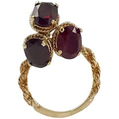 Vintage Twisted Rope Gold Ring with Three Dangle Garnets