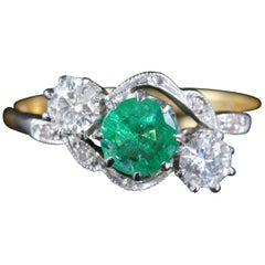 Antique Edwardian Emerald Diamond Ring 18 Carat Plat Twist Ring, circa 1915