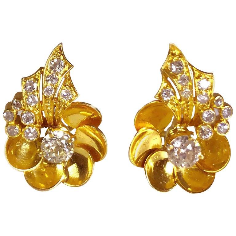 1.60 Carat Diamond Flower 14 Karat Yellow Gold Ear Clips