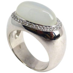 Fine Moonstone Diamond 18 Karat White Gold Ring