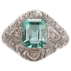 1915 Edwardian Era 3 Carat Columbian Emerald and Diamond Platinum Ring