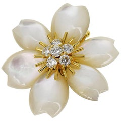 Van Cleef & Arpels Rose De Noël Clip Small Size Brooch 18 Karat Yellow Gold