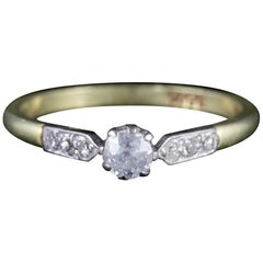 Antique Edwardian Diamond Ring 18 Carat Gold Engagement Ring, circa 1915