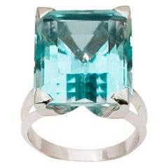 20 Carat Rectangular Deep Blue Aquamarine 18 Karat White Gold Ring