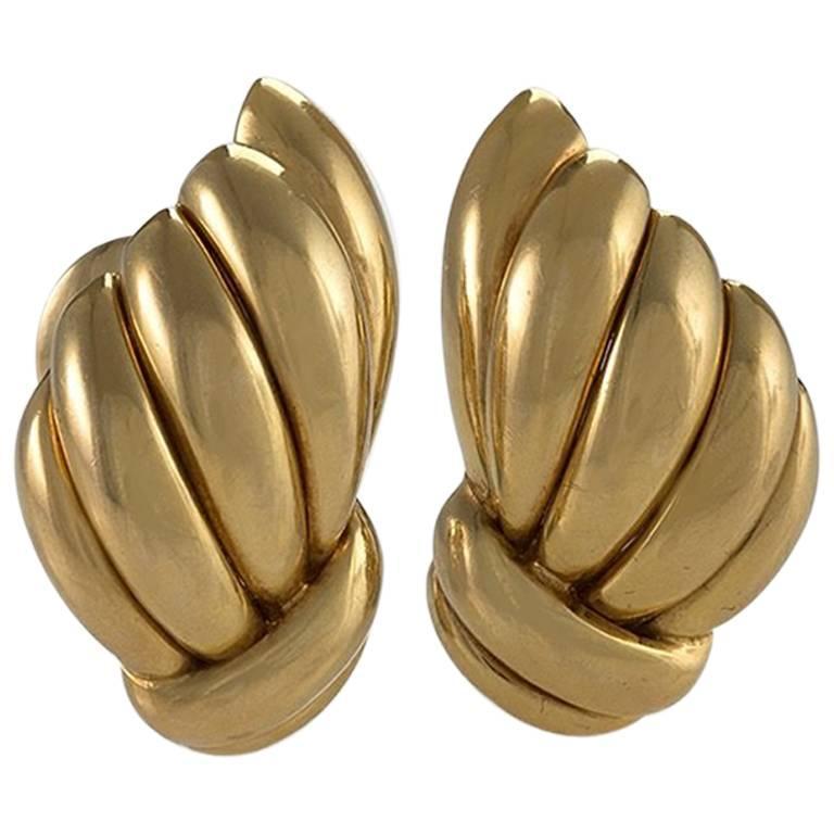 Van Cleef & Arpels 1960s Gold Earrings