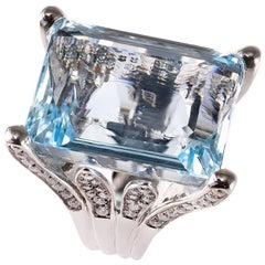 Lygia Demades 47 Carat Natural Aquamarine and Diamond 18 Karat White Gold Ring