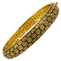 Roberto Coin 18 KY Gold Honeycomb Bangle Bracelet 1.82 Carat Diamonds