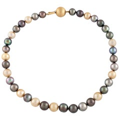 Cultured Pearls 18 Karat Gold Chain Necklace