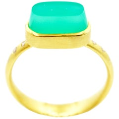Robin Waynee Chrysoprase Oval Ring, 18 Karat Gold, Chrysoprase, Diamond