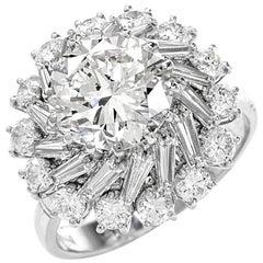 1960s Diamond 18 Karat Gold Engagement Cocktail Ring