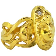 French Art Deco 18K Gold Floral, Cherub Engraved Ladies Ring with Diamond, 1920