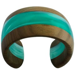 Cuff Bracelet in Wood and Pearly Light Blue Methacrylate