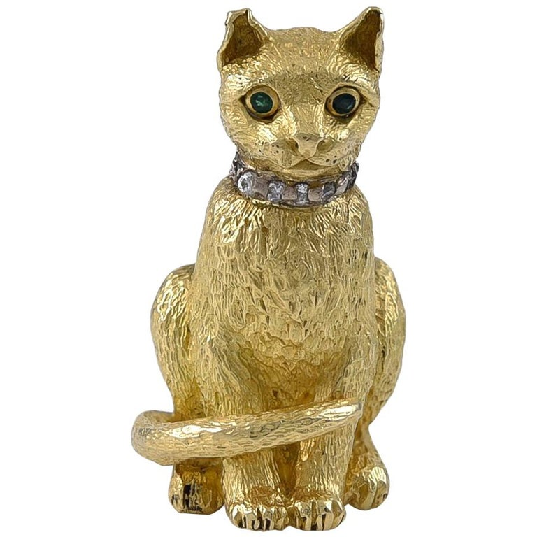 Tiffany & Co. Emerald Eyed Gold Cat Brooch  For Sale