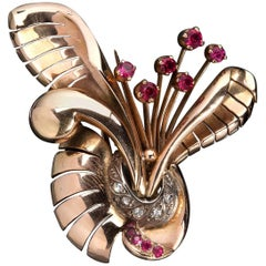 Art Deco Style and Period Ruby and Diamond Gold Brooch, Italy, 1940s