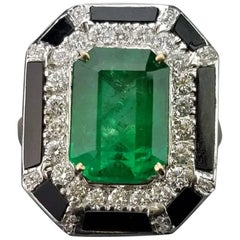 6.39 Carat Emerald, Onyx and Diamond 18 Karat Gold Cocktail Ring