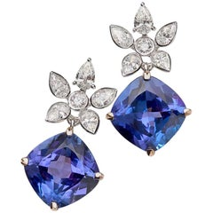 Tanzanite and White Diamond 18 Karat Gold Earrings