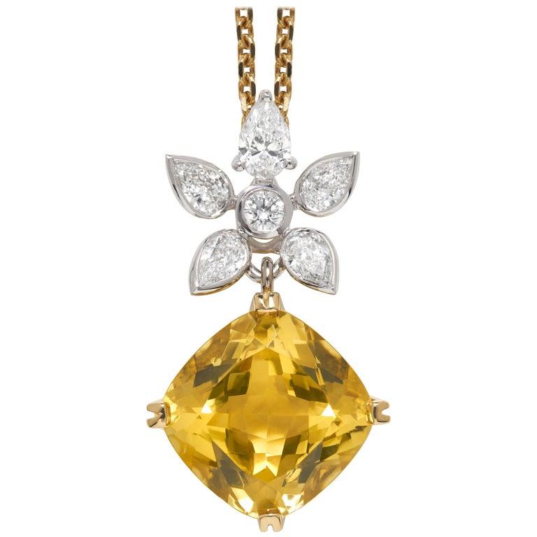 Golden Beryl and White Diamond 18 Karat Gold Pendant Necklace
