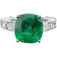 5.02 Carat Emerald and Diamond Band 18 Karat Gold Cocktail Ring