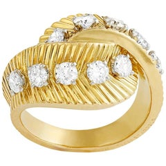 French 18 Carat Yellow Gold and Diamond Ring by Van Cleef & Arpels