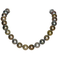 Tahiti South Sea Cultured Pearls with White Gold Clasp 18 Karat Beaded Necklace