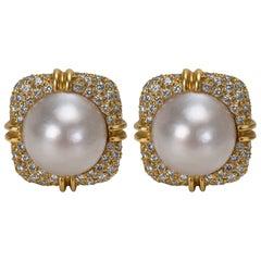 Makur Diamond and Mabe Pearl Earrings in 18 Karat Gold 2.00 Carat