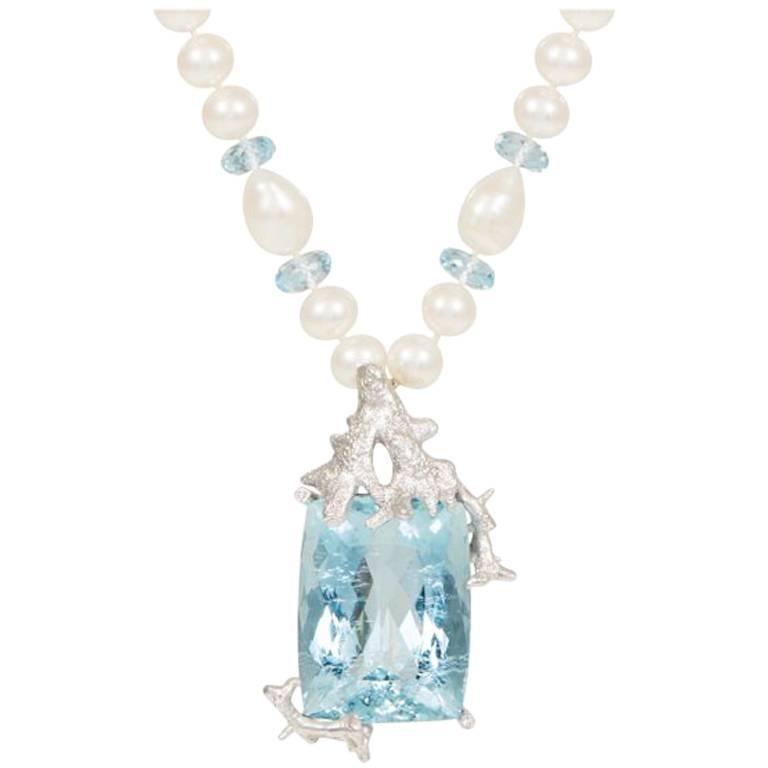 Aquamarine Diamond 18 Carat White Gold Pendant Necklace
