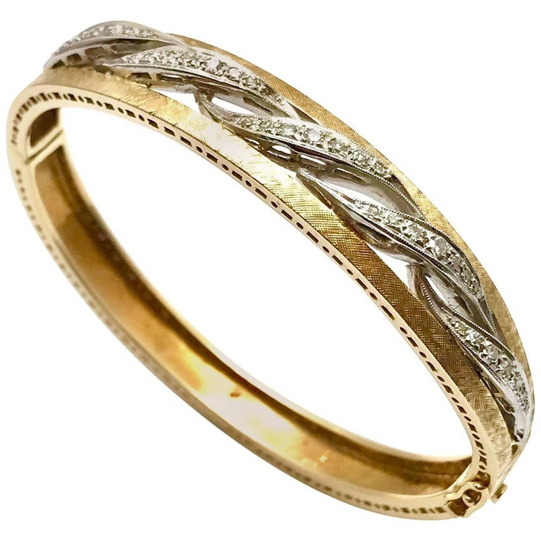 Round Brilliant Diamond White and Yellow Gold Wave Bangle Bracelet For Sale