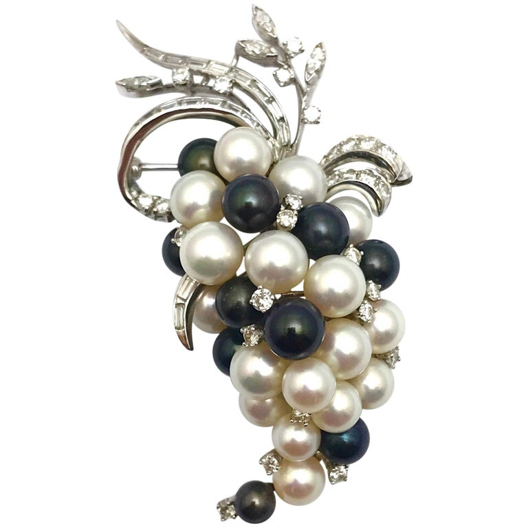Diamond Cultured and Tahitian Pearl Hanging Grapes White Gold Pendant Brooch